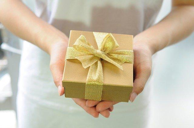 pakowanie pieniędzy na prezent inspiracje