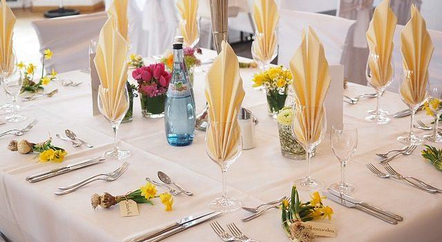 kwiaty na stół komunijny